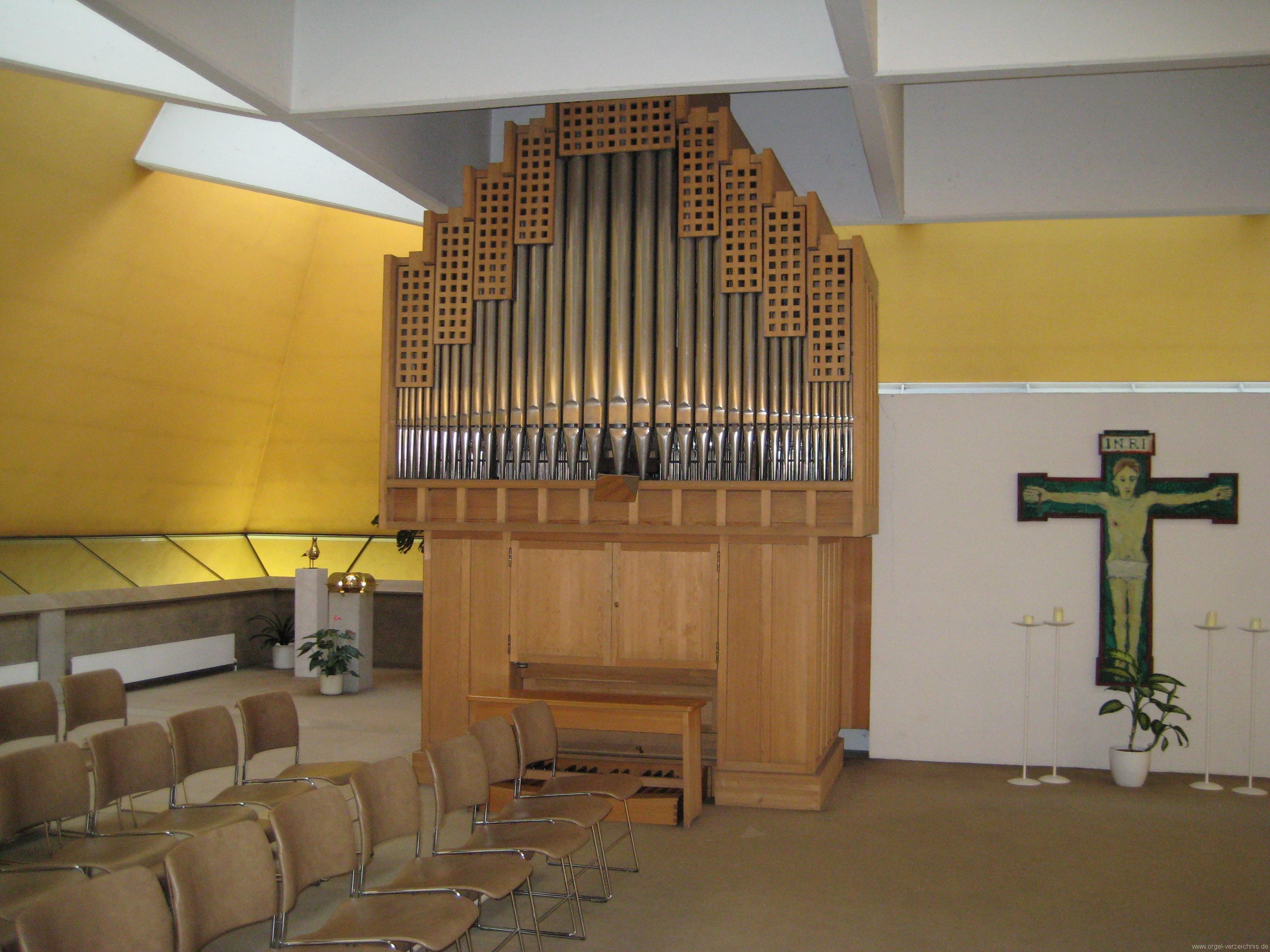 Innsbruck-Pradl-Süd - Pfarrkirche St. Norbert (1)