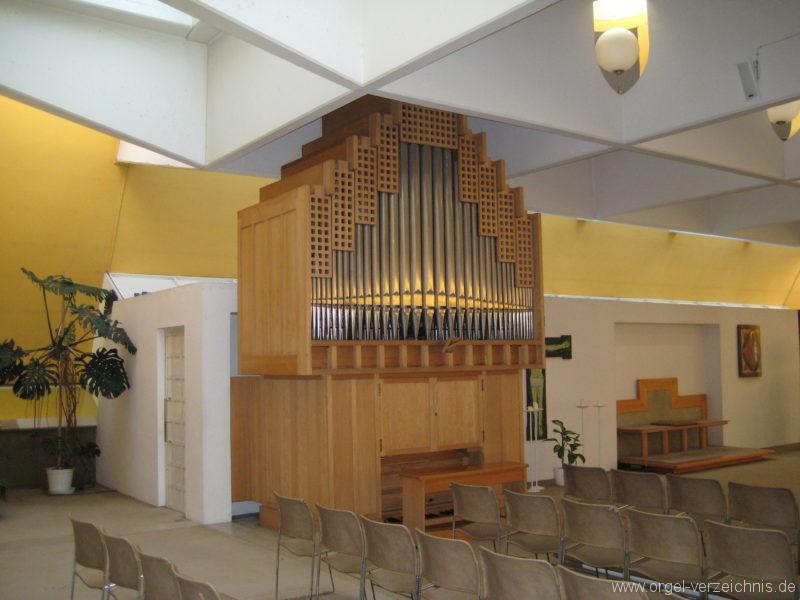 Innsbruck-Pradl-Süd - Pfarrkirche St. Norbert (2)