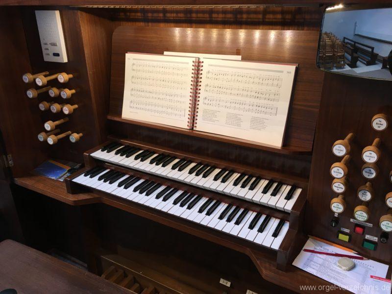 Innsbruck-Reichenau A - Pfarrkirche St. Paulus - Orgel - Spieltisch (13)