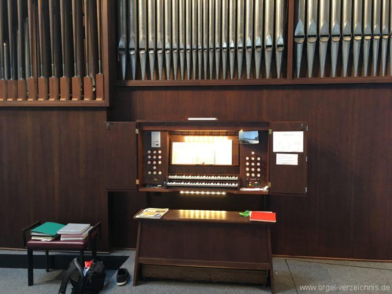 Innsbruck-Reichenau A - Pfarrkirche St. Paulus - Orgel - Spieltisch (22)