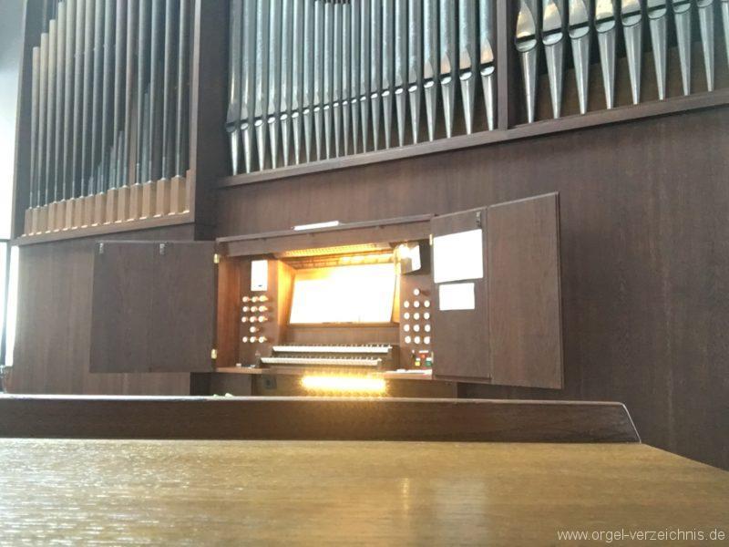 Innsbruck-Reichenau A - Pfarrkirche St. Paulus - Orgel - Spieltisch (24)