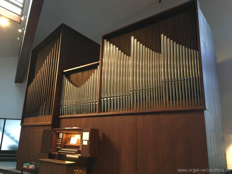 Innsbruck-Reichenau A - Pfarrkirche St. Paulus - Orgel - Spieltisch (3)
