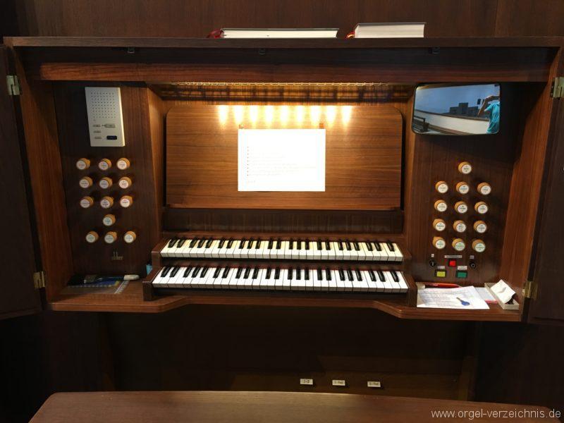 Innsbruck-Reichenau A - Pfarrkirche St. Paulus - Orgel - Spieltisch (4)