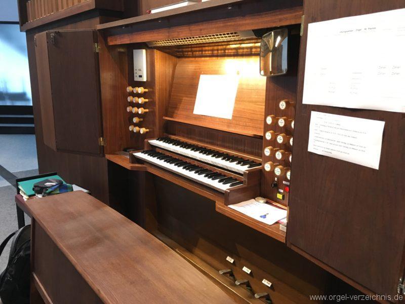 Innsbruck-Reichenau A - Pfarrkirche St. Paulus - Orgel - Spieltisch (5)