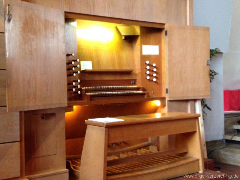 Innsbruck-Saggen - Pfarrkirche Mariä Empfängnis - Orgel - Spieltisch (1)