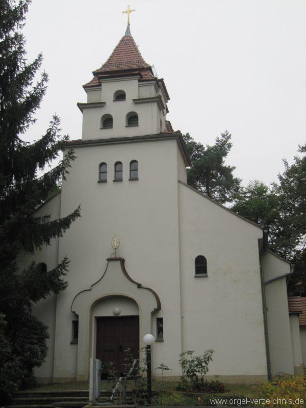 Dresden Weisser Hirsch St. Hubertus Aussenansicht (2)
