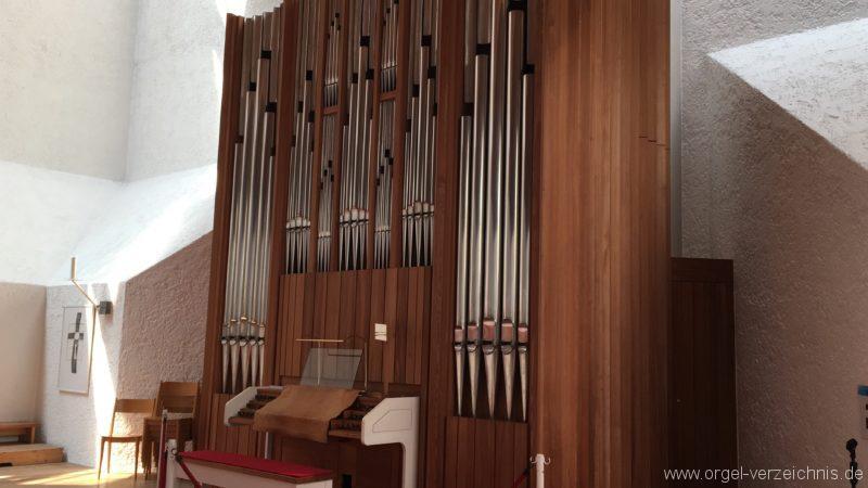 Völs - Neue Pfarrkirche unser Herr Jesus Christus in Emmaus (1)