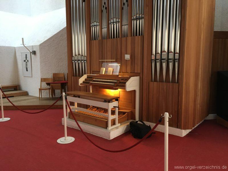 Völs - Neue Pfarrkirche unser Herr Jesus Christus in Emmaus (22)