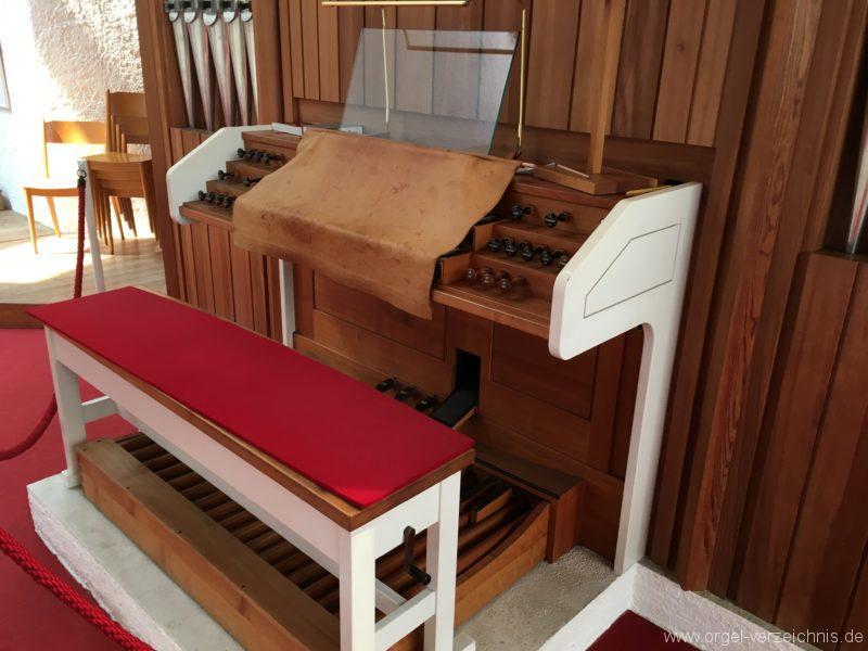 Völs - Neue Pfarrkirche unser Herr Jesus Christus in Emmaus (7)