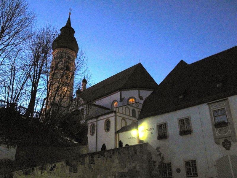 Andechs Wallfahrtskirche St. Nikolaus und Elisabeth Aussenansicht III