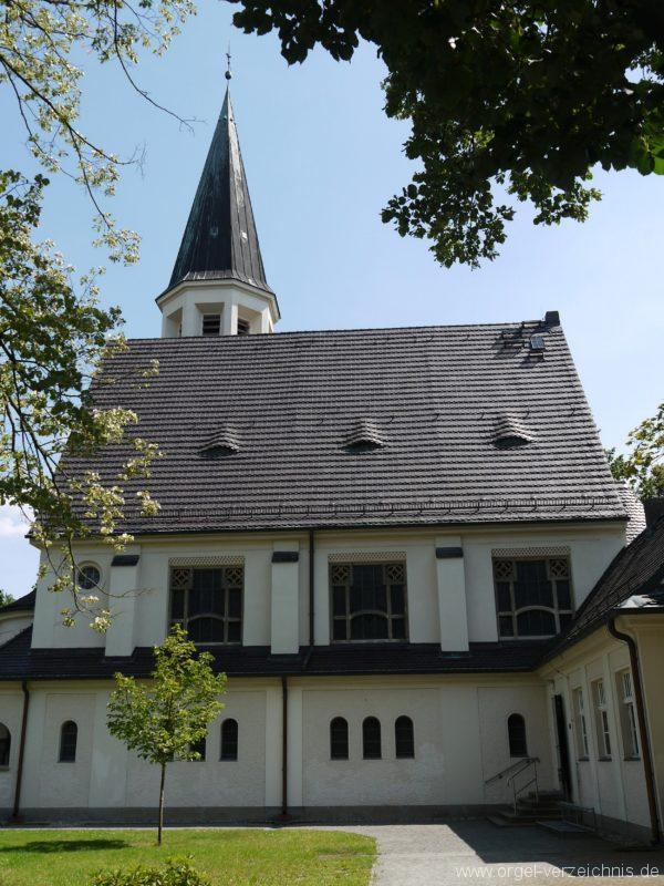 Zeuthen Martin Luther Kirche Aussenansicht I