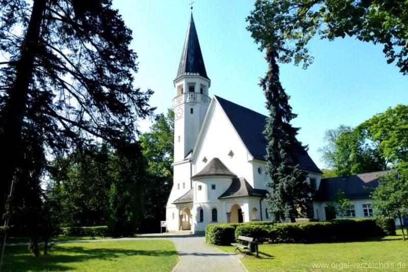 Zeuthen Martin Luther Kirche Aussenansicht IV