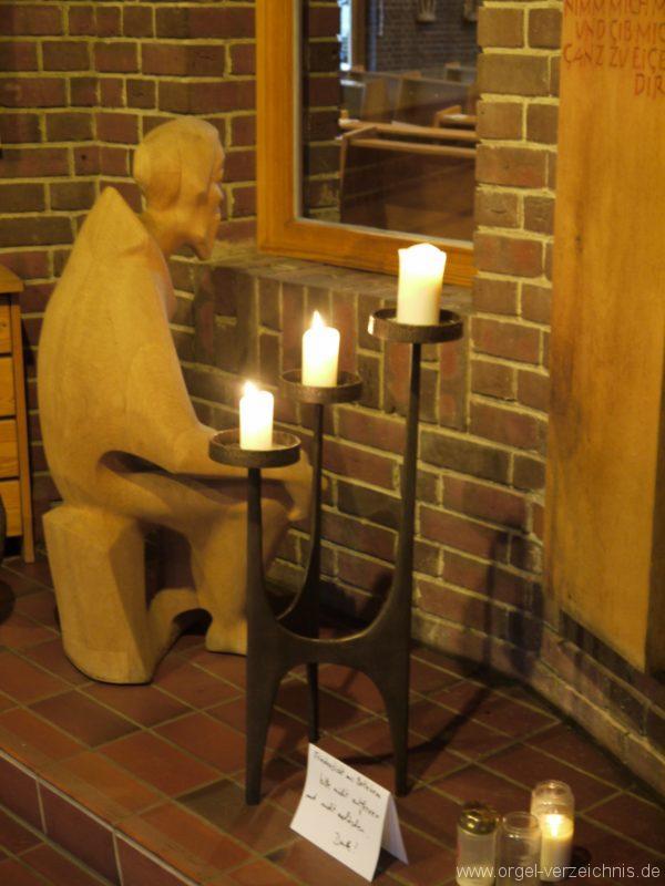 Berlin Neukölln Britz Bruder Klaus Kirche Bruder Klaus Statue I