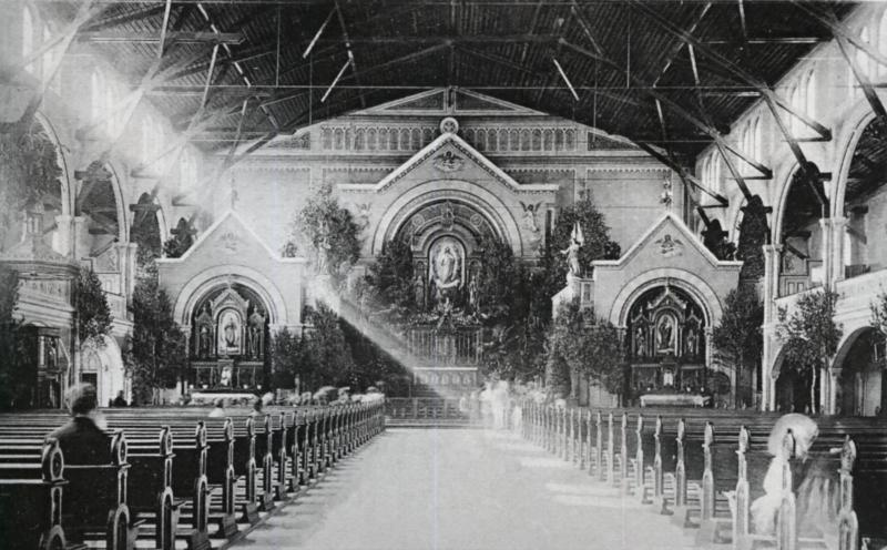 München Herz Jesu Innenansicht alte Kirche I